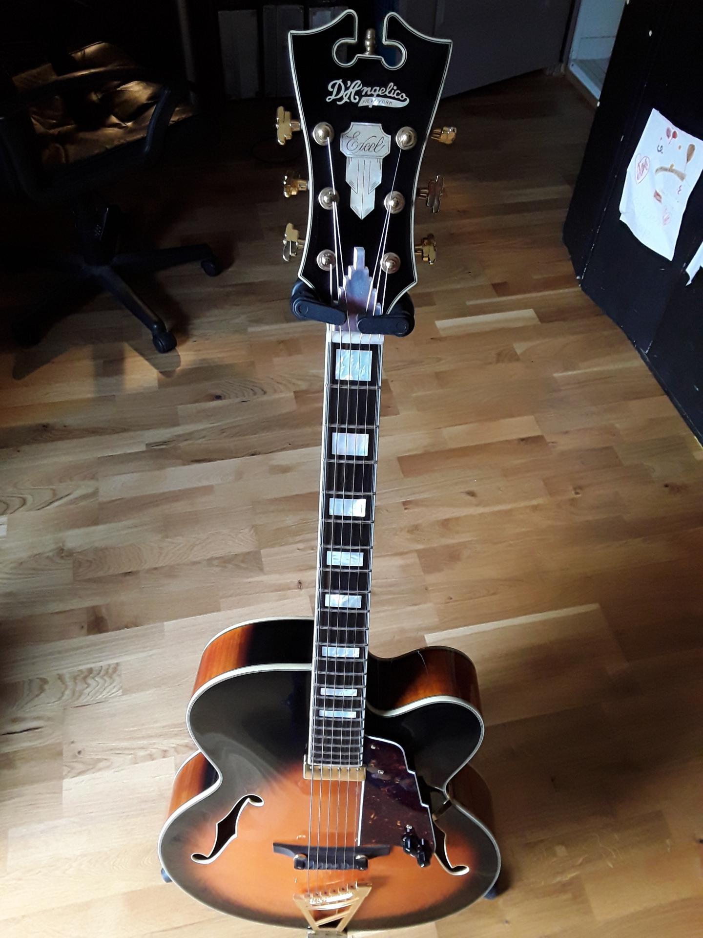 D'angelico EXL1 - Archtop jazz guitar
