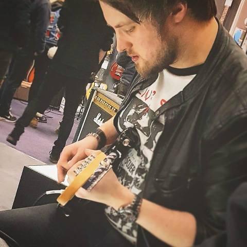 Leigh Fuge Guitarist